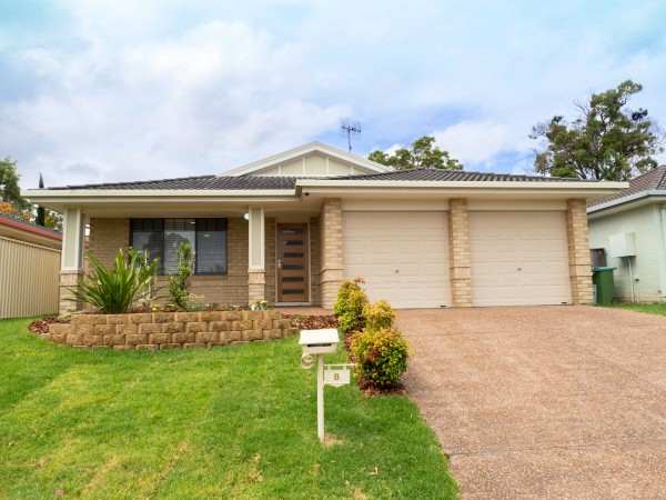 8 Dwyer Street, Blue Haven, NSW 2262