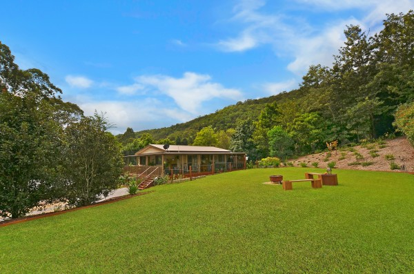 1869 Yarramalong Road, Yarramalong, NSW 2259