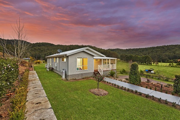 18 Robinvale Lane, Yarramalong, NSW 2259
