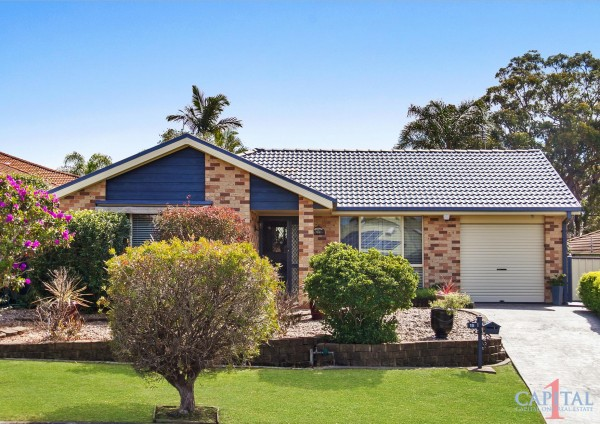 15 Christopher Crescent, Lake Haven, NSW 2263