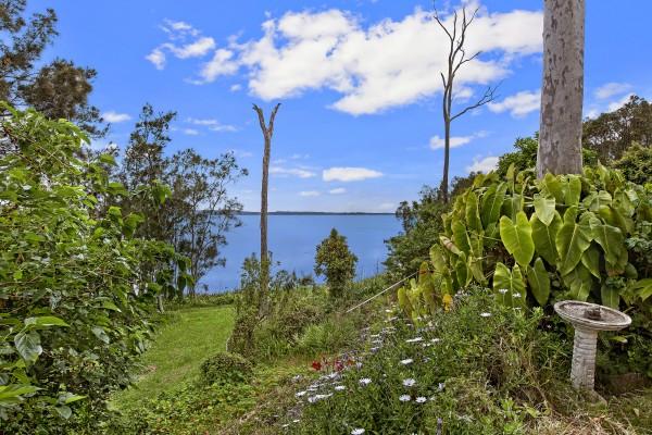 128 Tuggerawong Road, Wyongah, NSW 2259