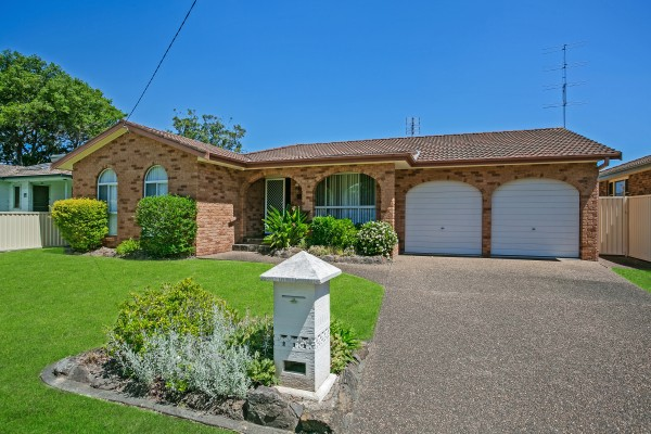 22 Avonlea Avenue, Gorokan, NSW 2263