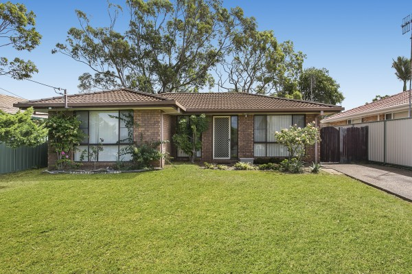 12 Gorokan Drive, Lake Haven, NSW 2263