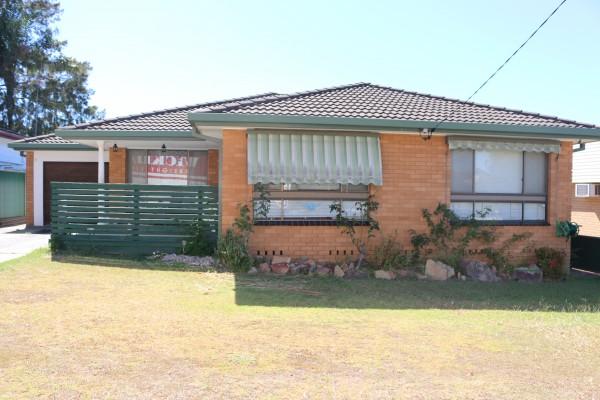 25 Rolfe Avenue, Kanwal, NSW 2259