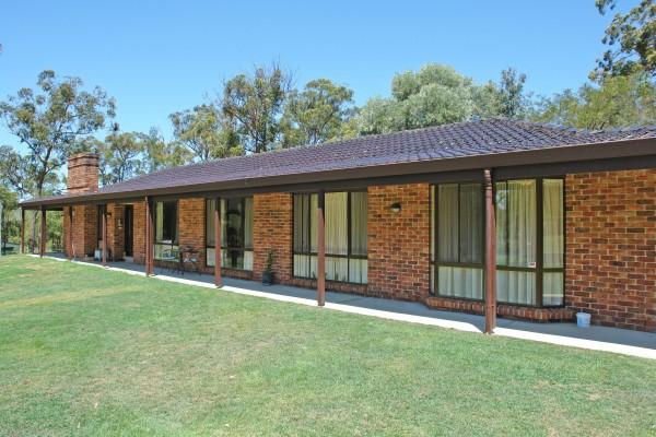 1 Crestwood Road, Jilliby, NSW 2259
