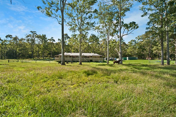 40 Smiths Road, Jilliby, NSW 2259