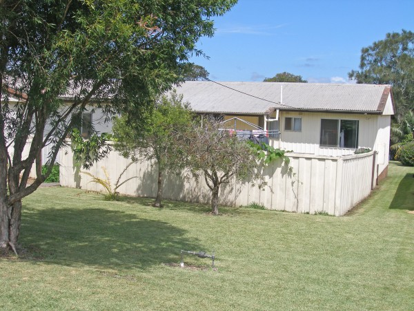 12 Crookhaven Drive, Greenwell Point, NSW 2540