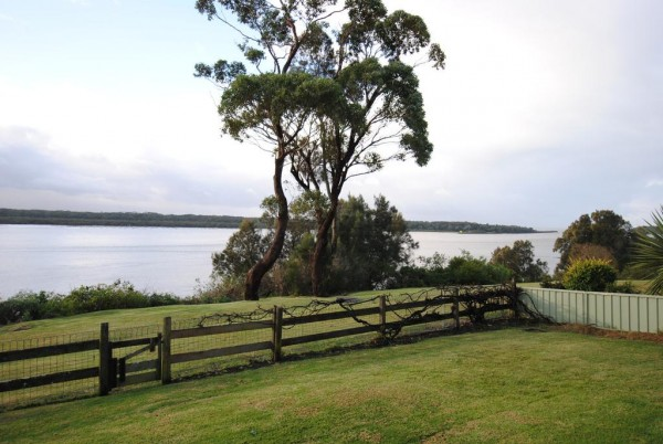 73a Orama Cres, Orient Point, NSW 2540